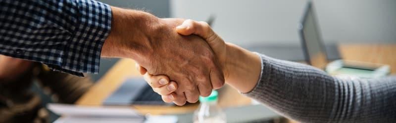 diferencia entre subcontratacion y outsourcing